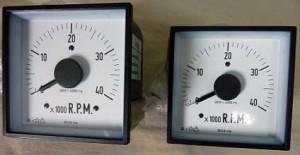 unterschiedliche Größen von quadratischen elektrischen analogen Anzeigen